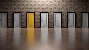 doors-1767563_640.jpg