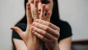 Stiffness,hand,MCP,joint,pain
