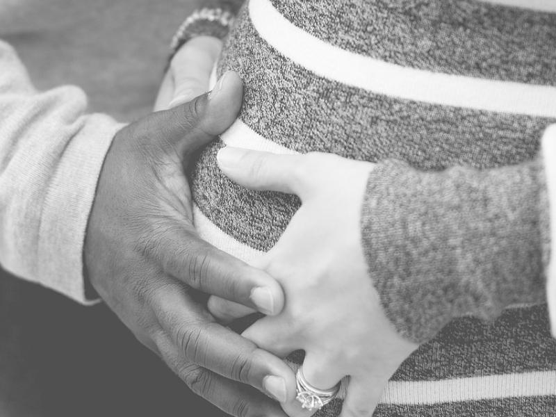 hands pregnant